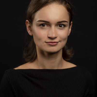 Faye Bollheimer - Ariel Moore